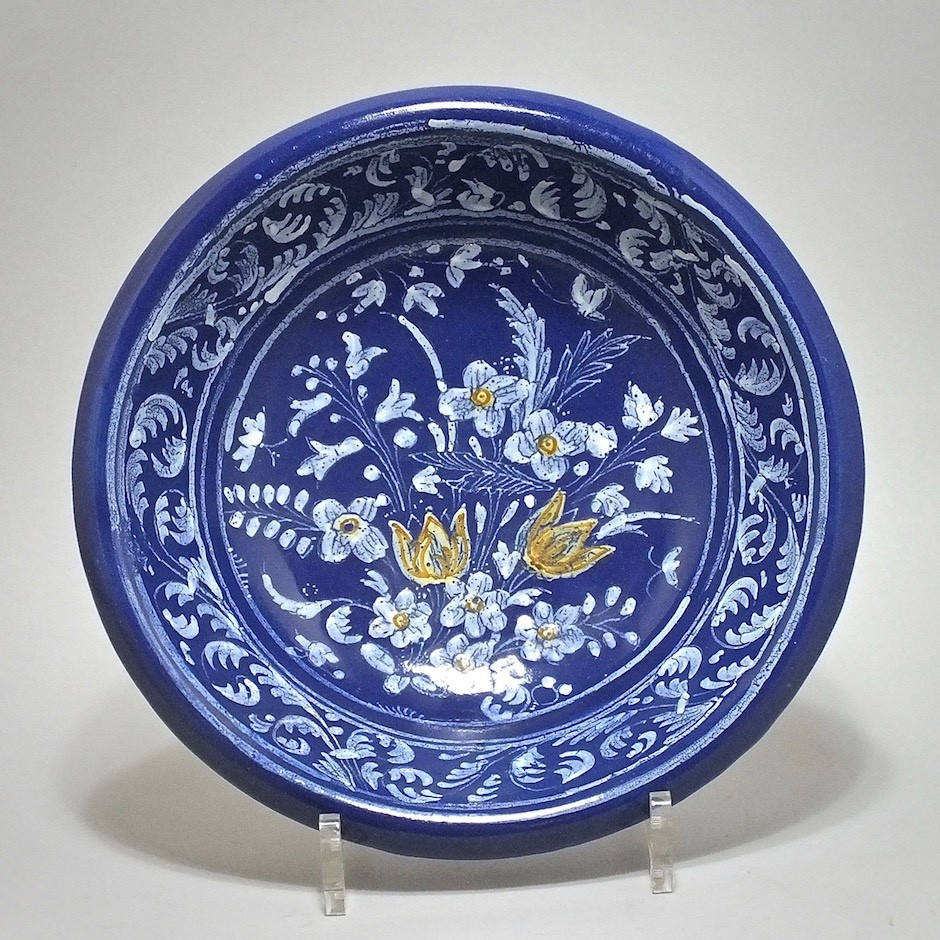 NEVERS. Round bowl with Persian blue background - seventeenth century