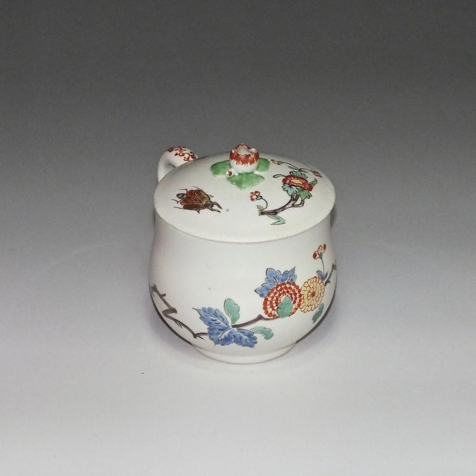 Chantilly - Pot à jus à décor Kakiemon - XVIIIe siècle