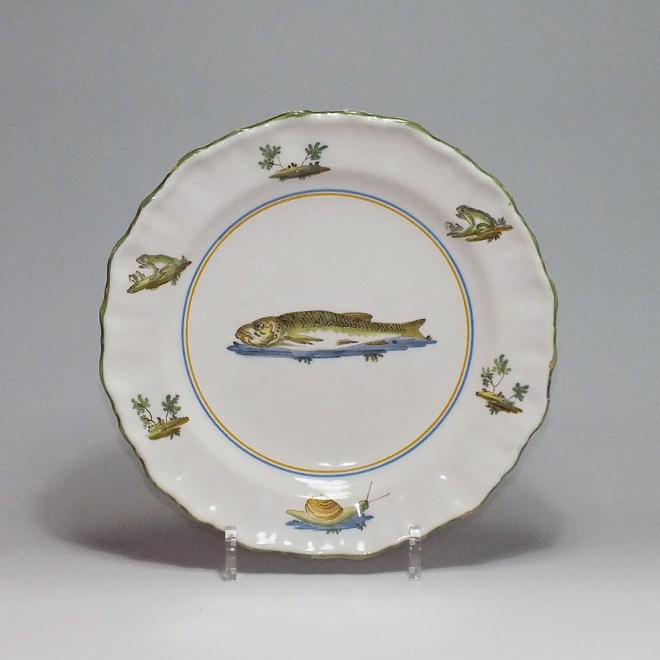 Moustiers – Assiette au poisson – XVIIIe Siècle