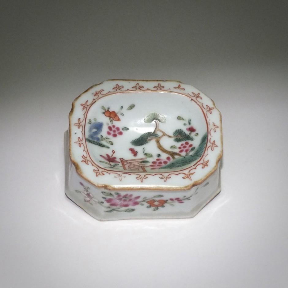 Saleron Famille rose - XVIIIe siècle - Époque QIANLONG (1736 - 1795)