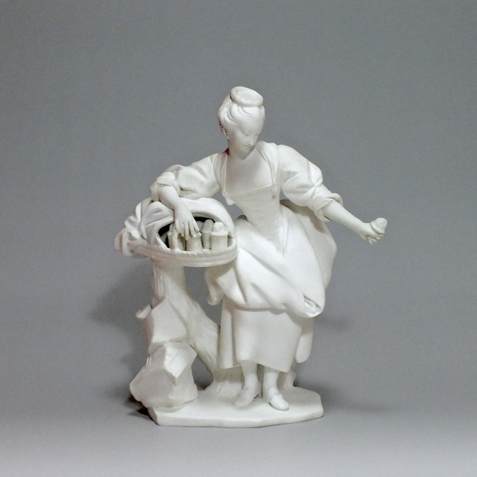 SEVRES - La marchande de crème - XVIIIe siècle