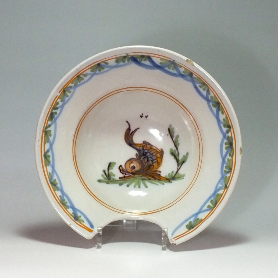Roanne - Shaving dish - decorated with a dolphin - eighteenth century