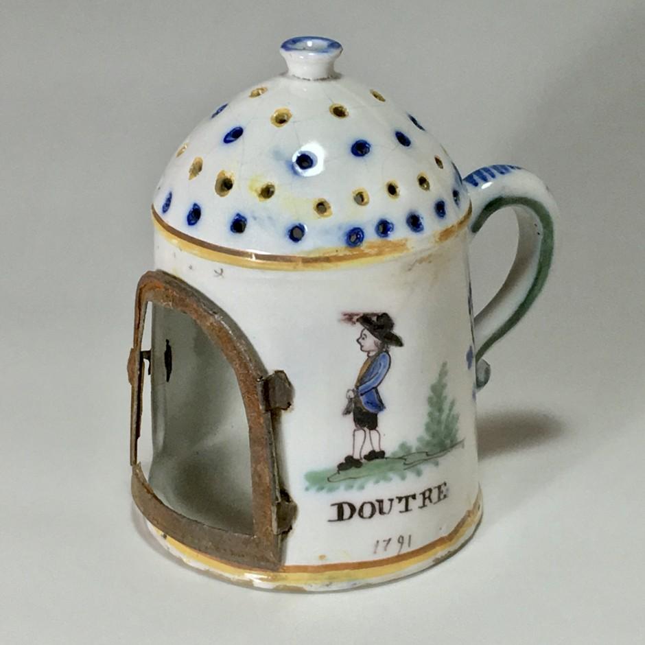 Roanne - Rare lanterne en faïence - XVIIIe siècle