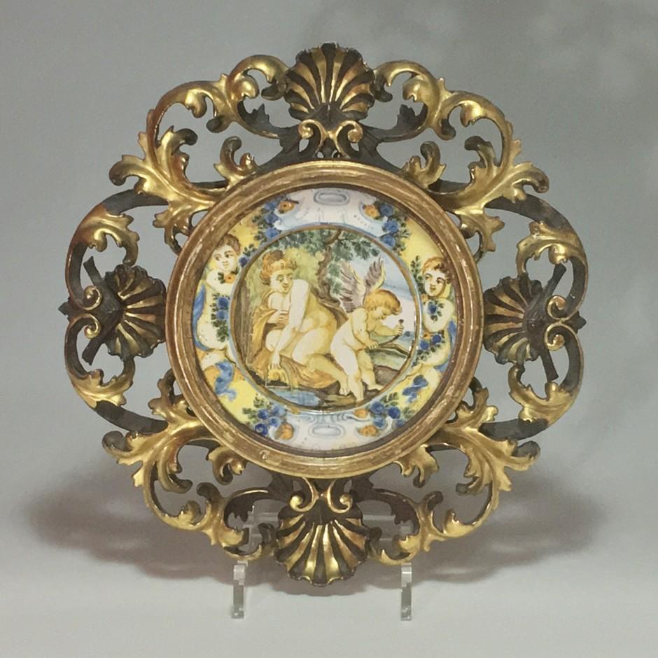 """Castelli – Assiette (Tagliere) """"Vénus et l'amour"""" -  XVIIIe siècle"""