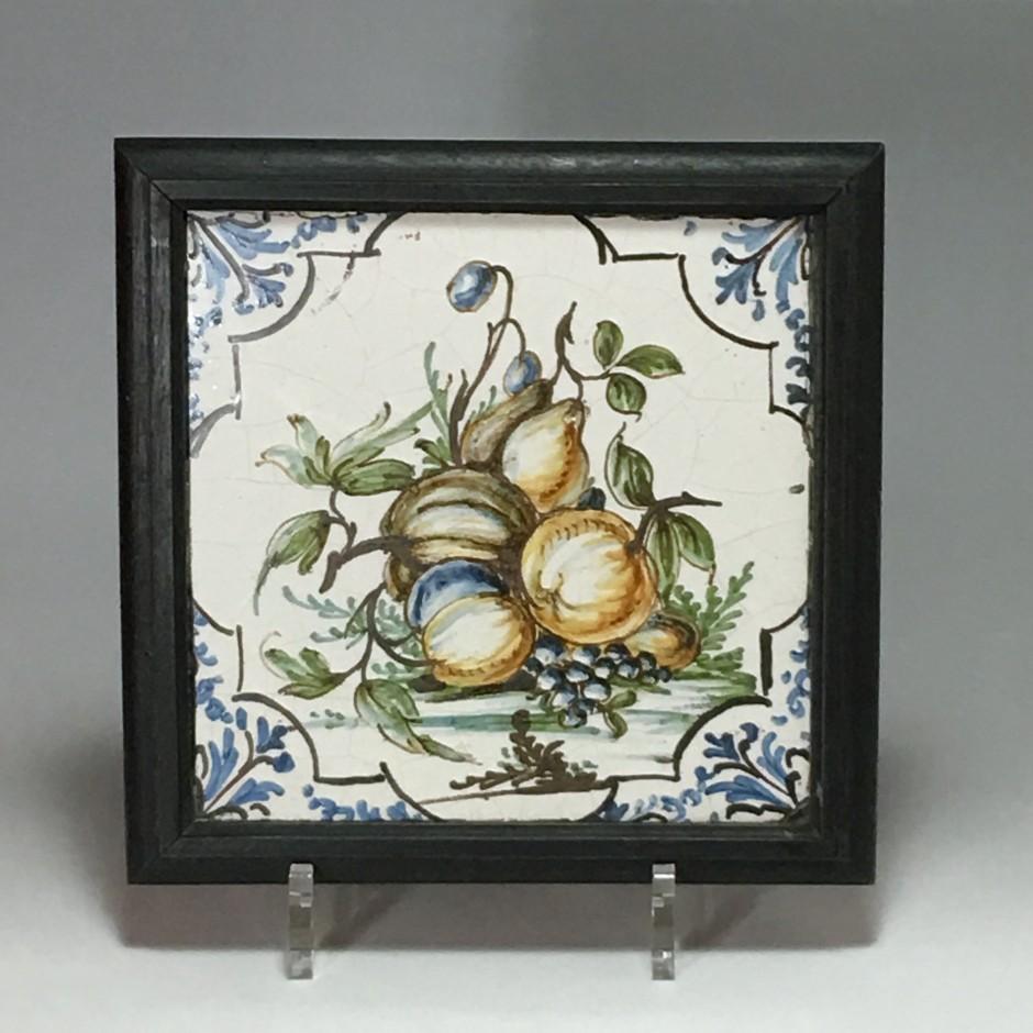 Lyon - Rare carreau à décor polychrome - XVIIIe siècle