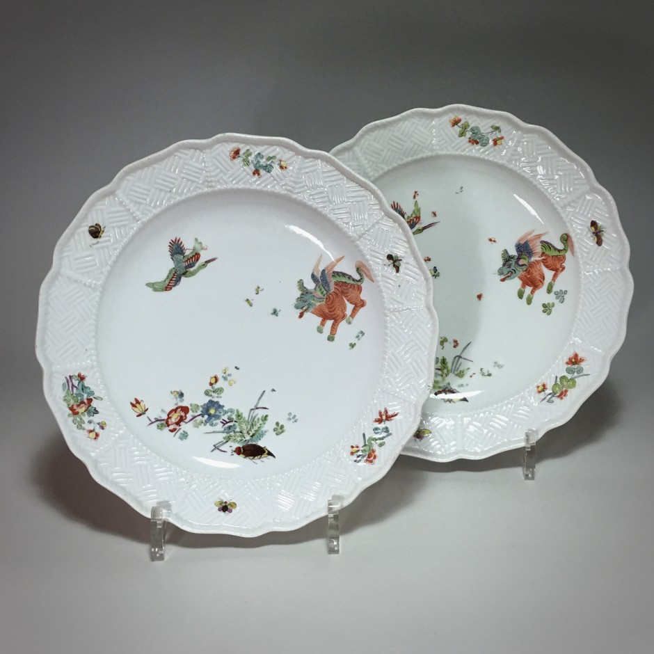 Meissen - Pair of plates with Kakiemon decoration - eighteenth century