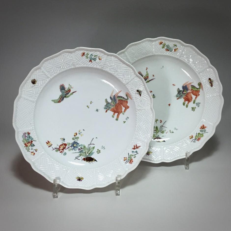 Meissen - Paire d'assiettes  à décor Kakiemon - XVIIIe siècle
