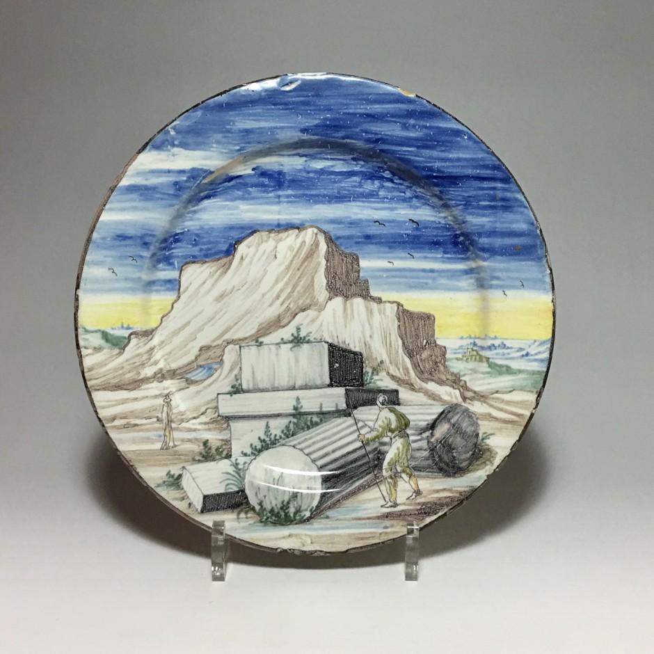 Pavie - Petit plat à décor de ruines sur fond de paysage - Fin du XVIIIe - Début du XVIIIe siècle
