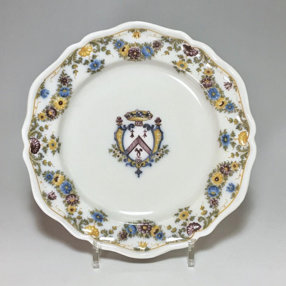 Marseille - Atelier de Fauchier - Assiette à décor d'armoiries - XVIIIe siècle