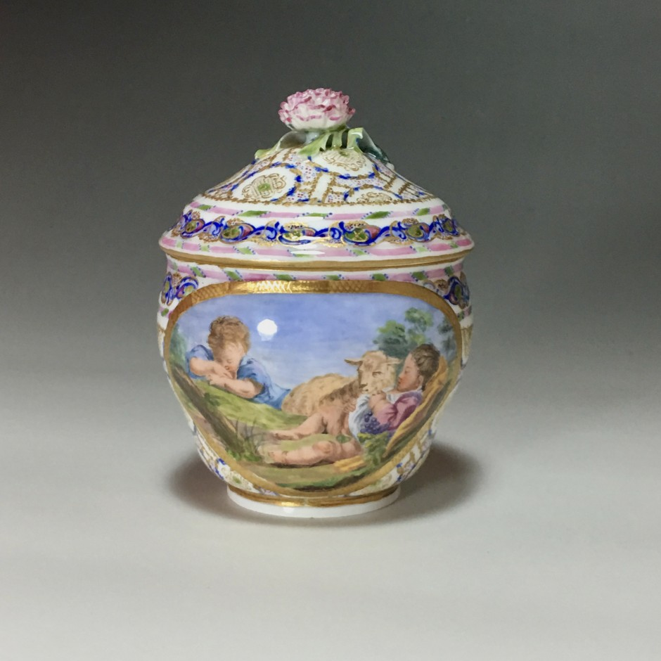 Pot à sucre Hébert en porcelaine tendre de Sèvres du XVIIIe siècle - 1766
