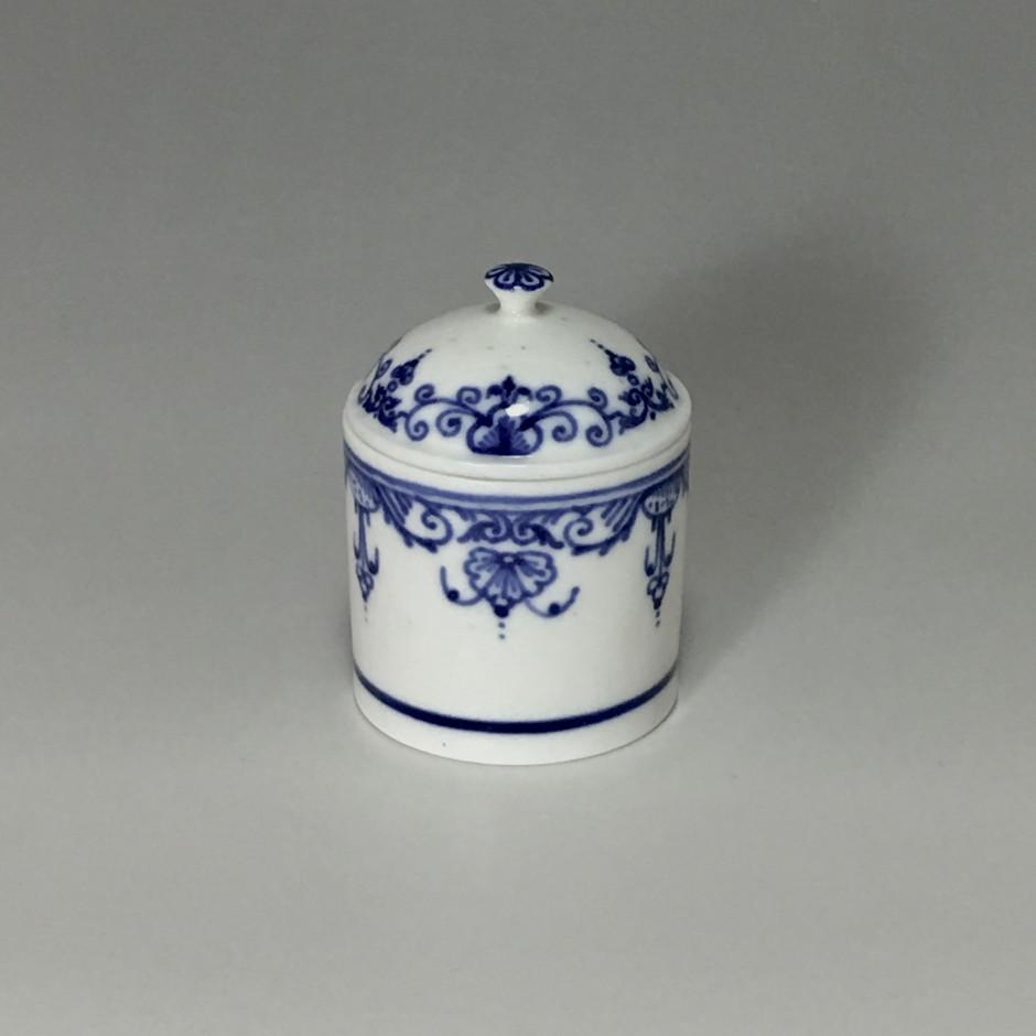 Pot à fard en porcelaine tendre de Mennecy - XVIIIe siècle
