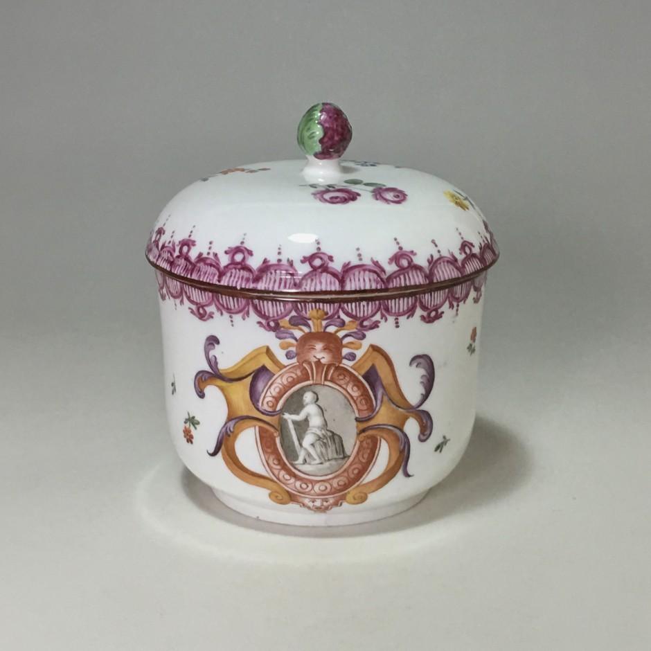 Porcelain sugar pot from Frankenthal - circa 1775
