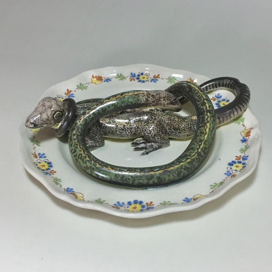Assiette en faïence d'Alcora décorée en trompe-l'oeil - XVIIIe siècle