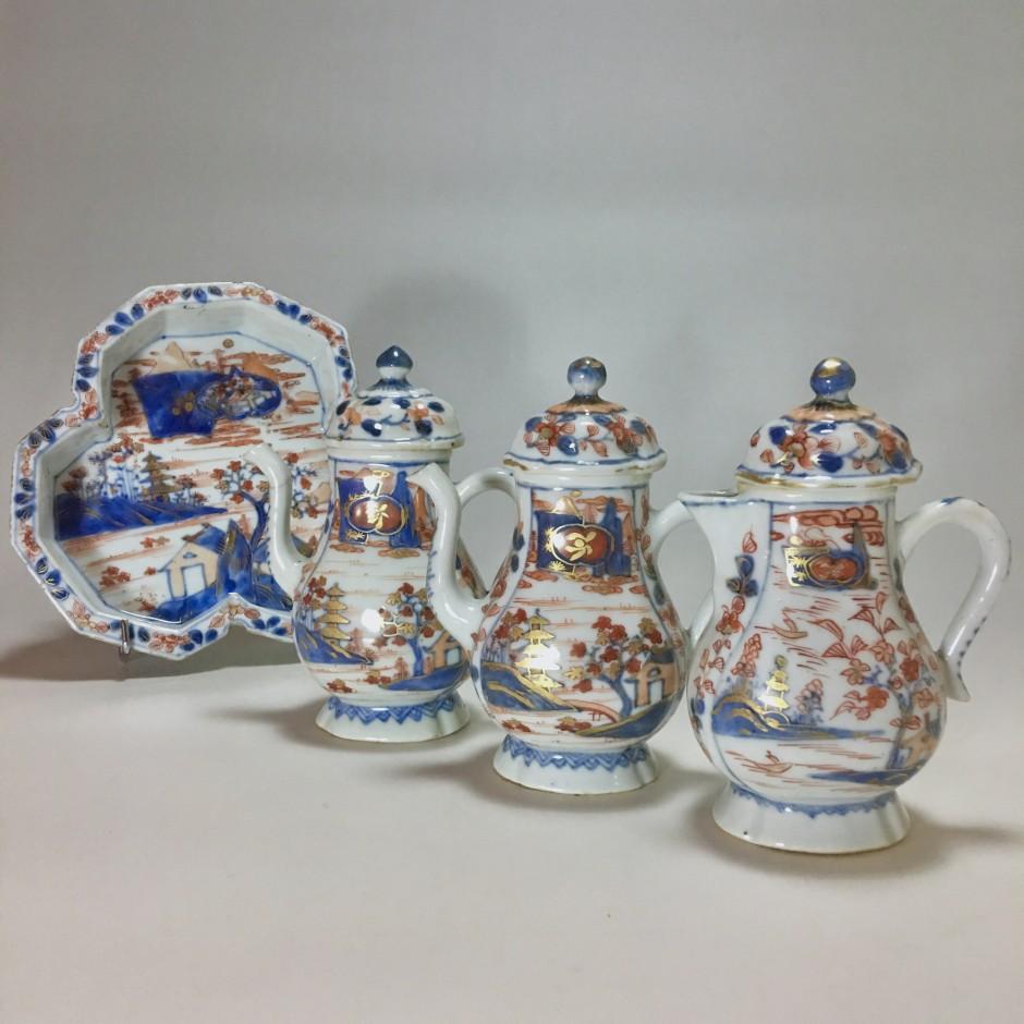 Nécessaire à condiments en porcelaine de Chine à décor Imari - XVIIIe siècle