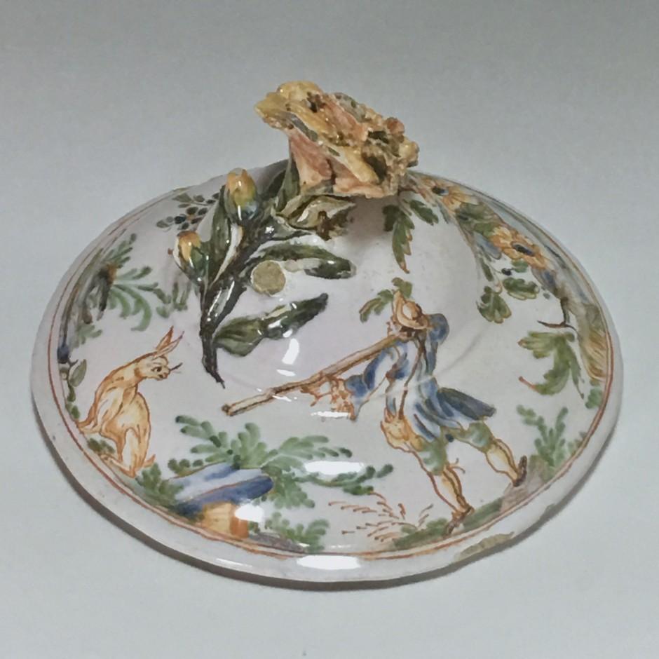 Couvercle en faïence de Lyon - XVIIIe siècle