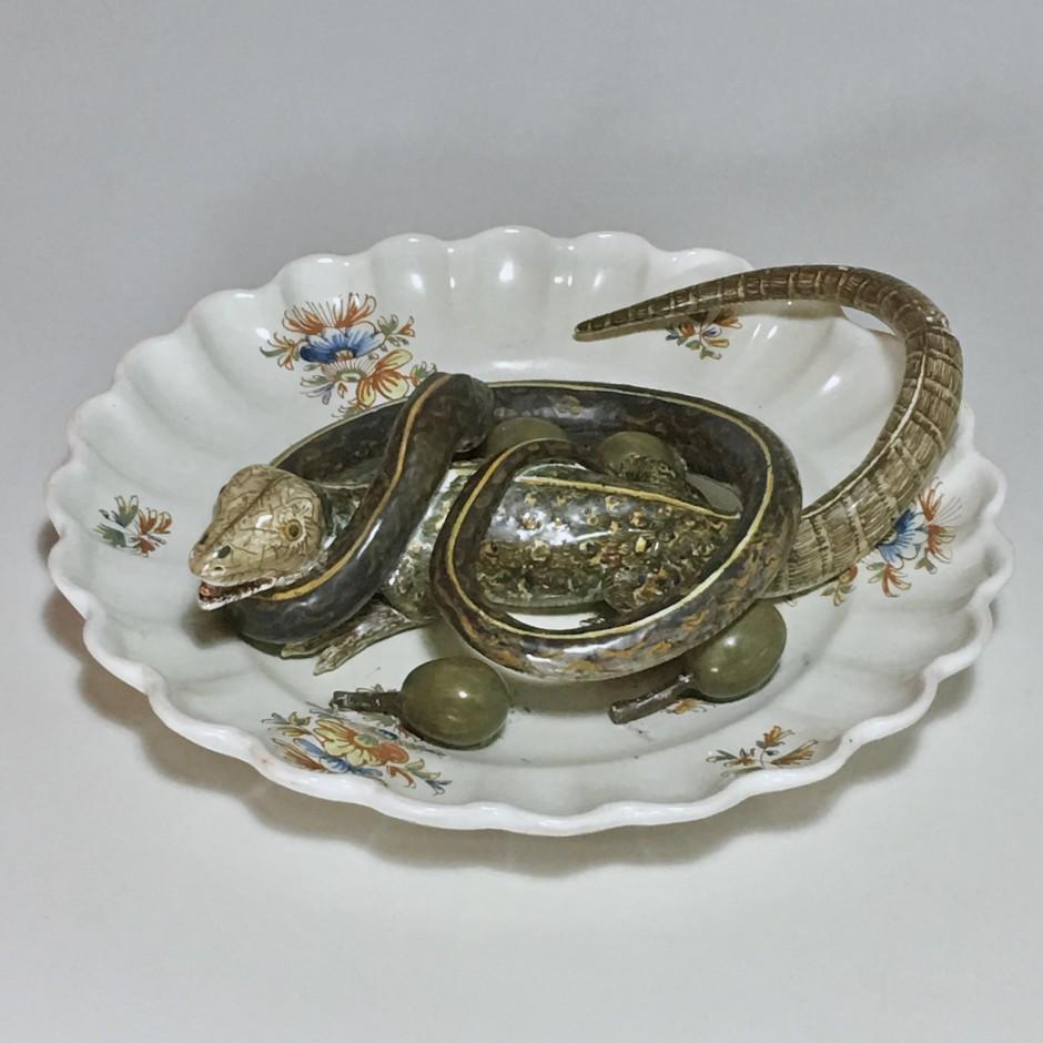 Assiette en faïence d'Alcora décorée en trompe-l'oeil - XVIIIe siècle - VENDU