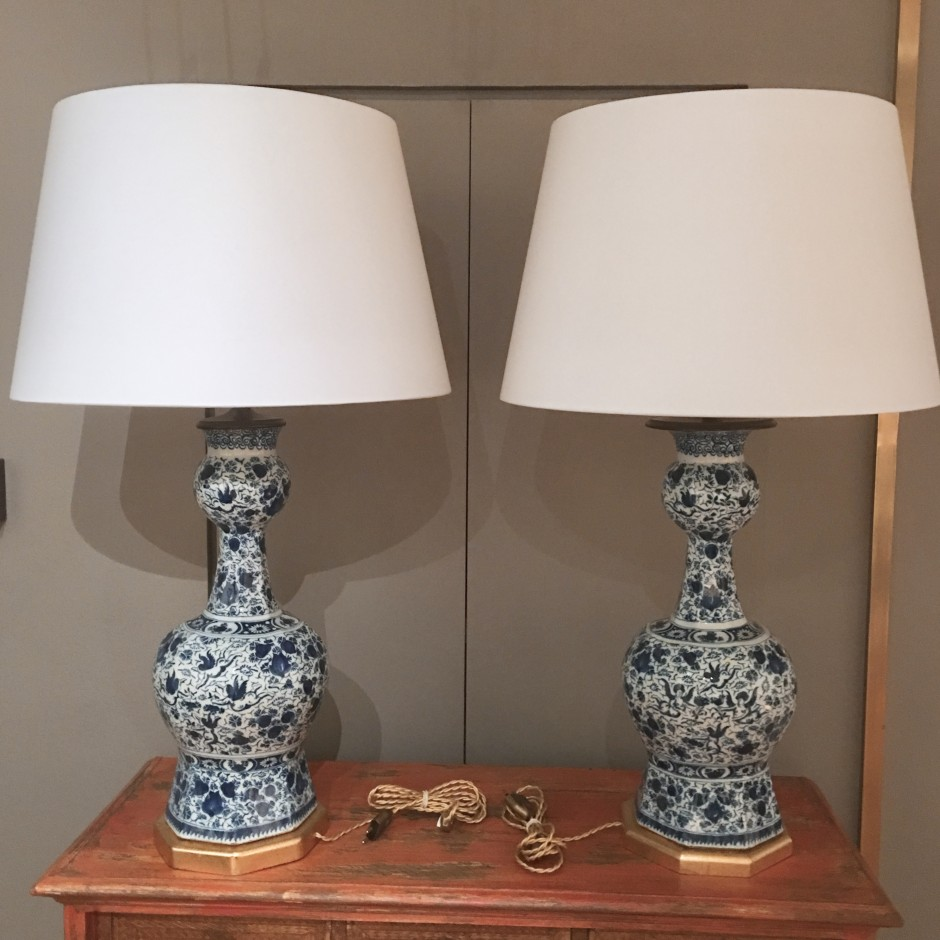 Pair of large Dutch Delft vases - circa 1700 - Mounted in Lamps