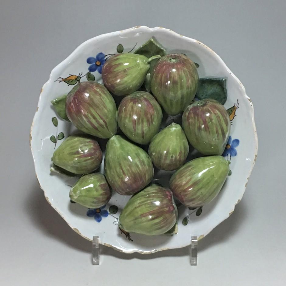 Assiette décorée de figues en trompe l'oeil – XVIIIe siècle - VENDU
