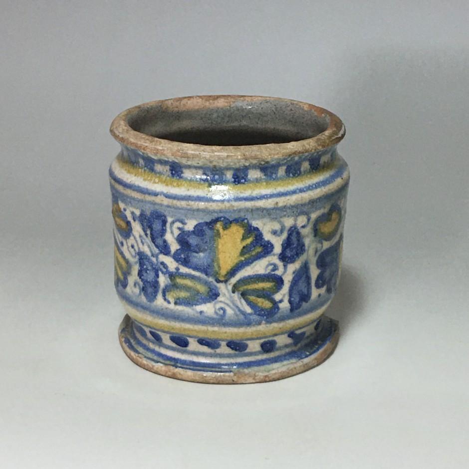 Small albarello in majolica from Lyon - Sixteenth century