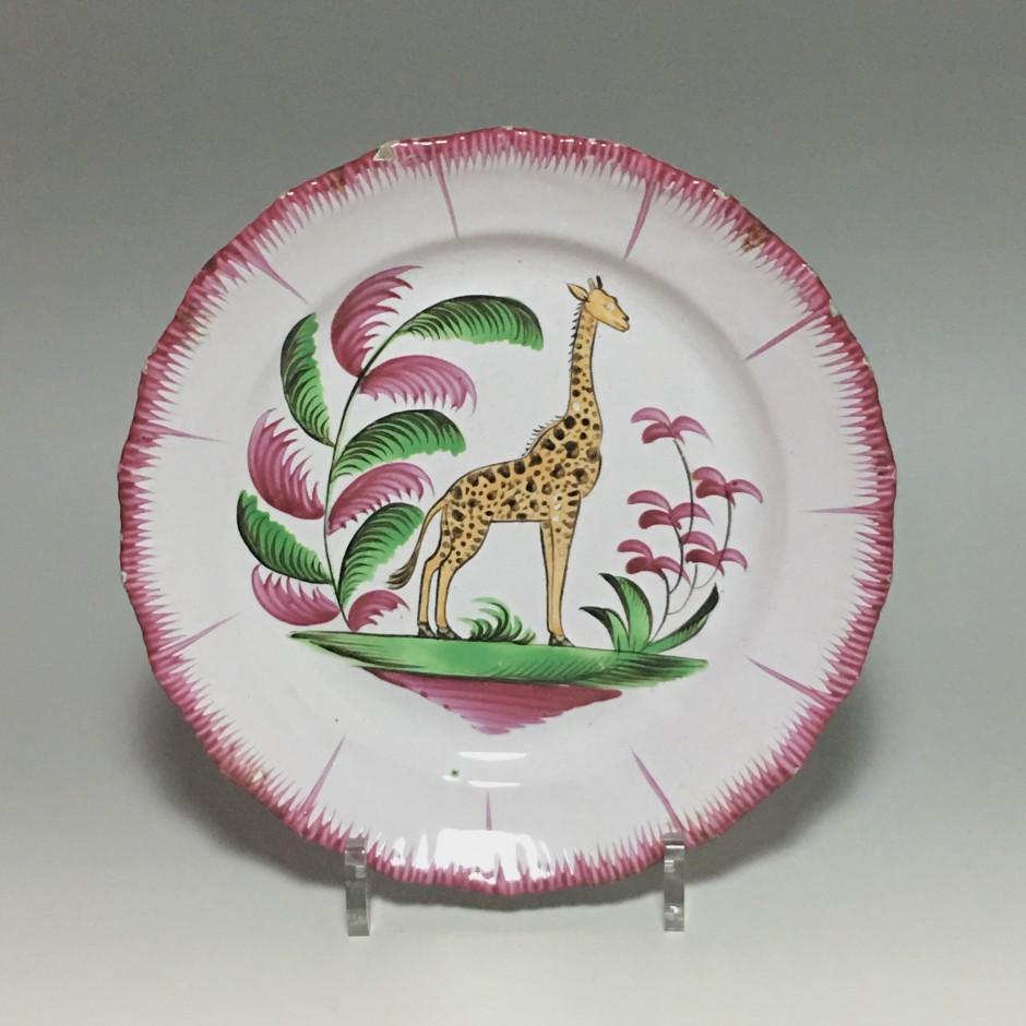 Les islettes - Rare assiette à la girafe - Début du XIXe siècle