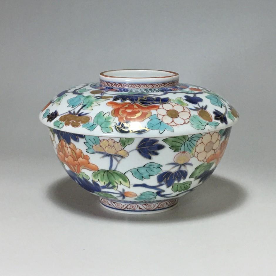 Japon - Bol couvert à décor polychrome - vers 1690- 1720