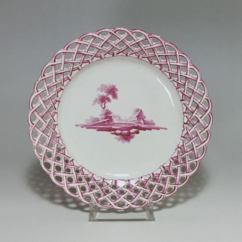 Niderviller - Assiette en camaïeu rose - XVIIIe siècle