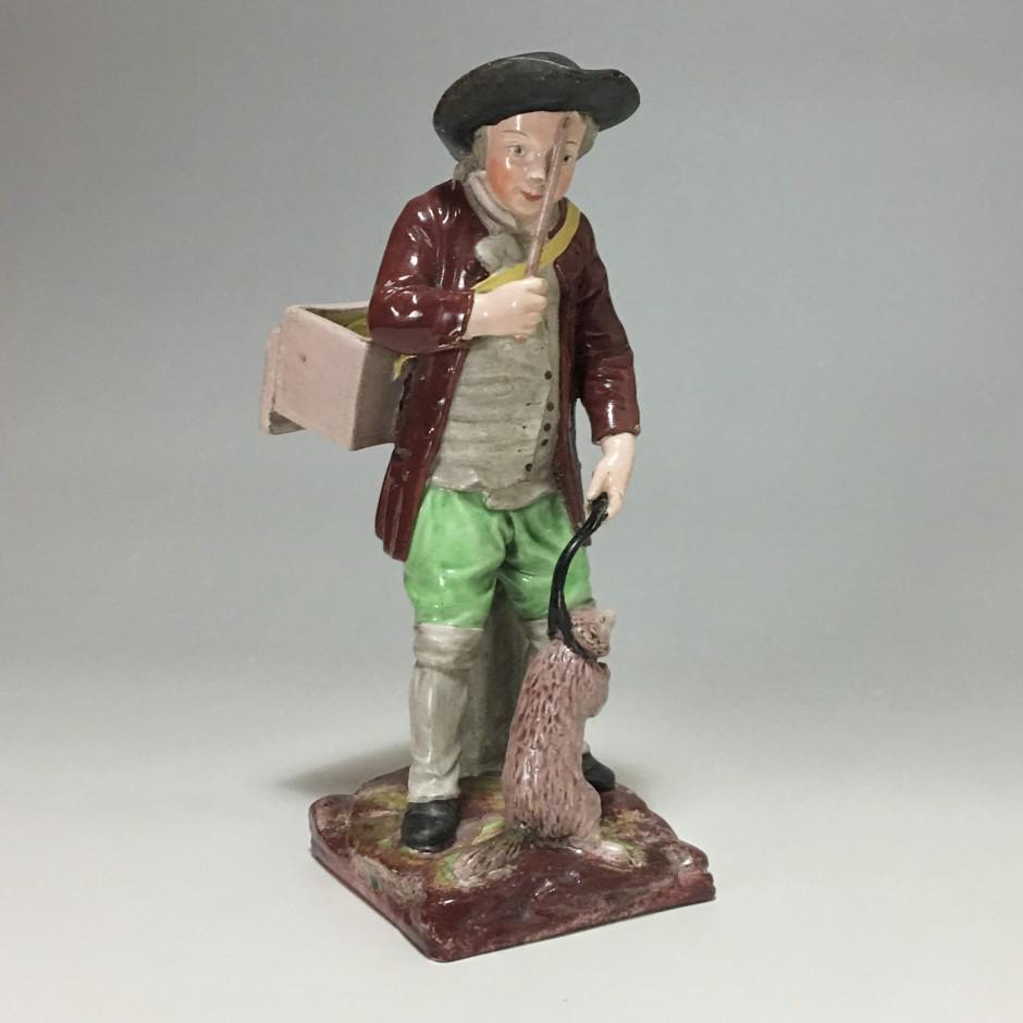 Lunéville – Statuette figurant un dresseur de marmotte – XVIIIe siècle - VENDU