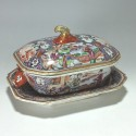 China - India Company - Small terrine and its display unit - Qianlong period.