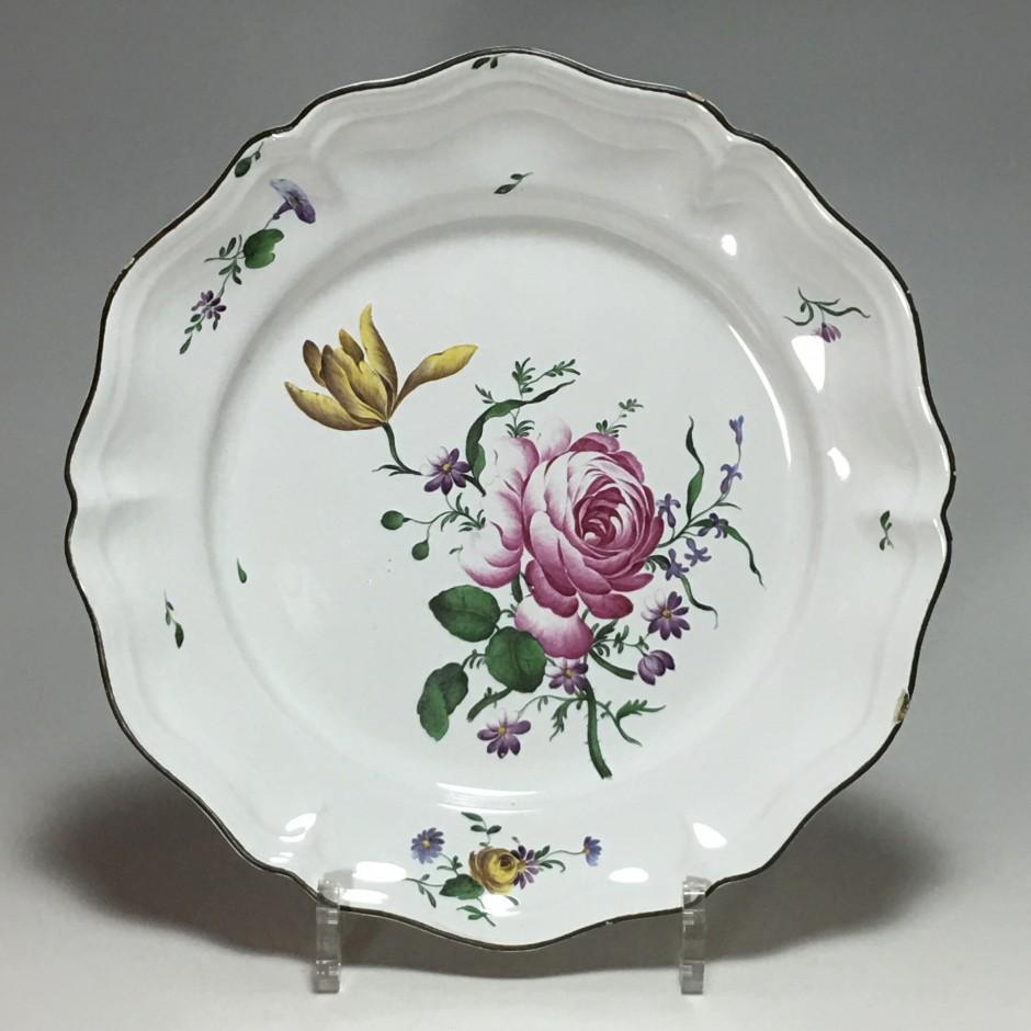 STRASBOURG - Joseph Hannong - Plate in fine quality - eighteenth century
