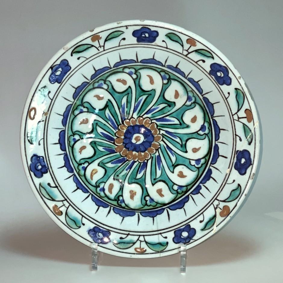 Iznik - Plat en céramique - Décor à la rosace – Vers 1600