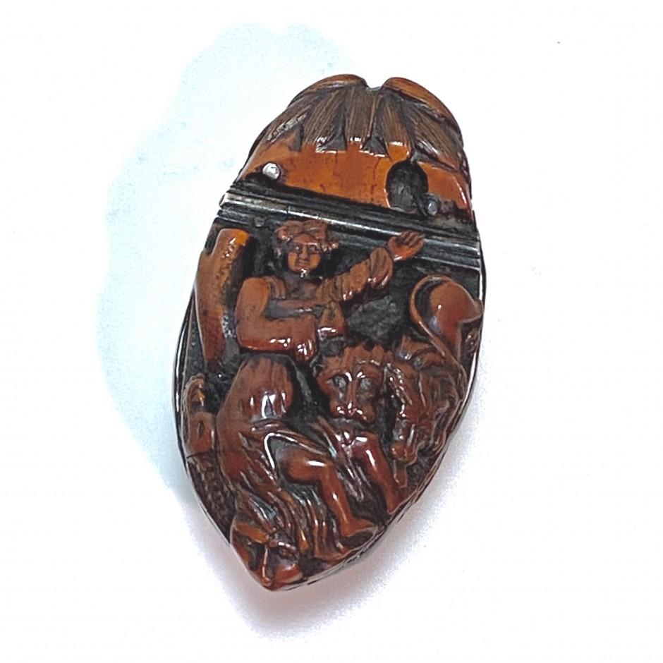 Tabatière en noix de corozo – Début du XIXe siècle
