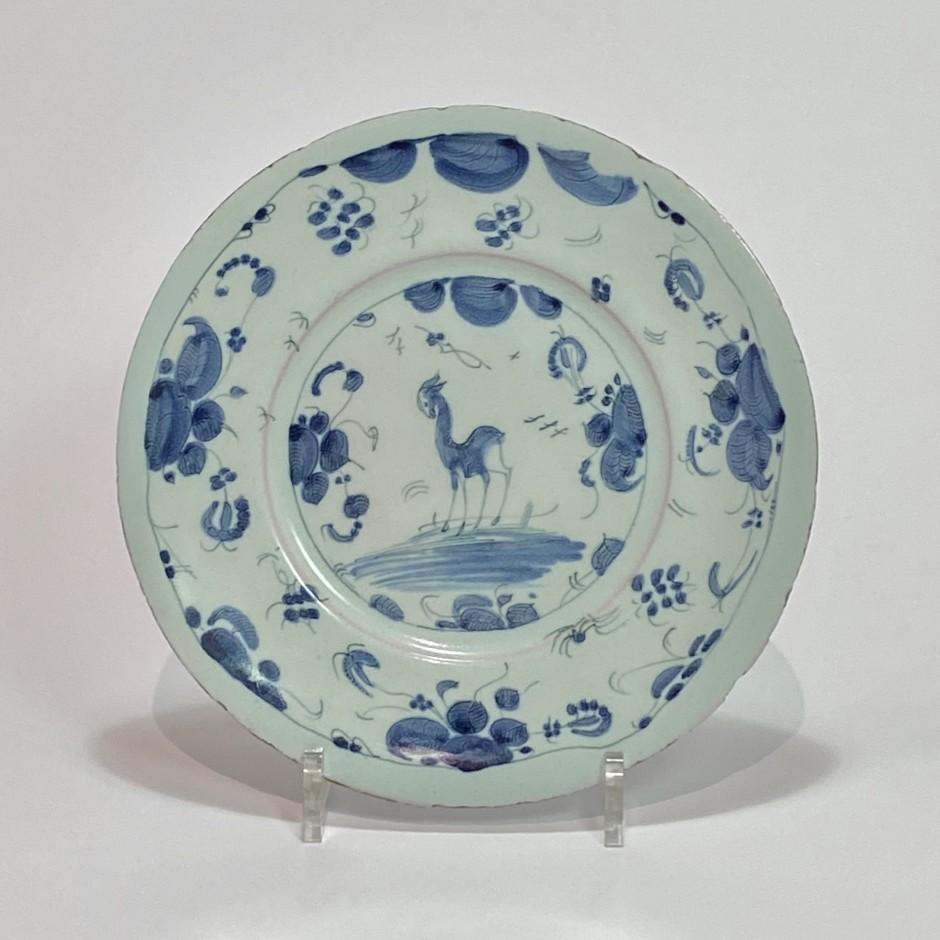 Savone - Assiette à décor d'une biche - Fin du XVIIe - Dédut du XVIIIe siècle