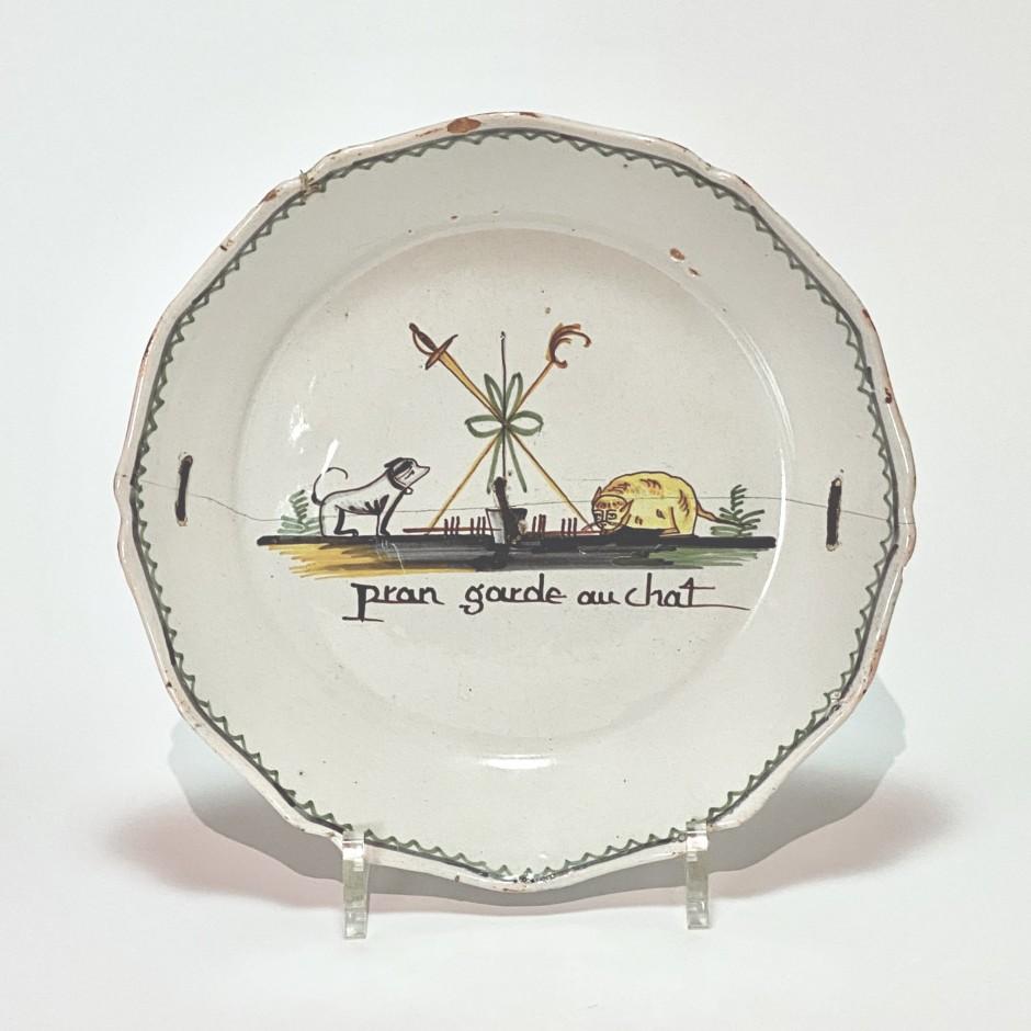 Nevers - Rare assiette à décor révolutionnaire - XVIIIe siècle