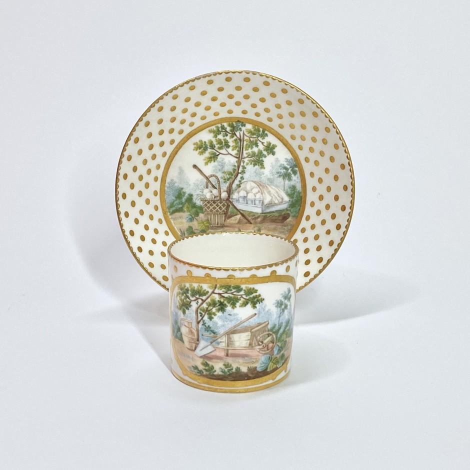 Gobelet litron en porcelaine tendre de Sèvres - XVIIIe siècle