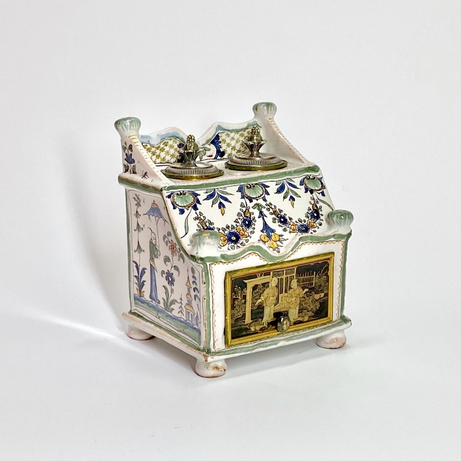 Rare patronymic writing case in earthenware attributed to Auvillar - Eighteenth century