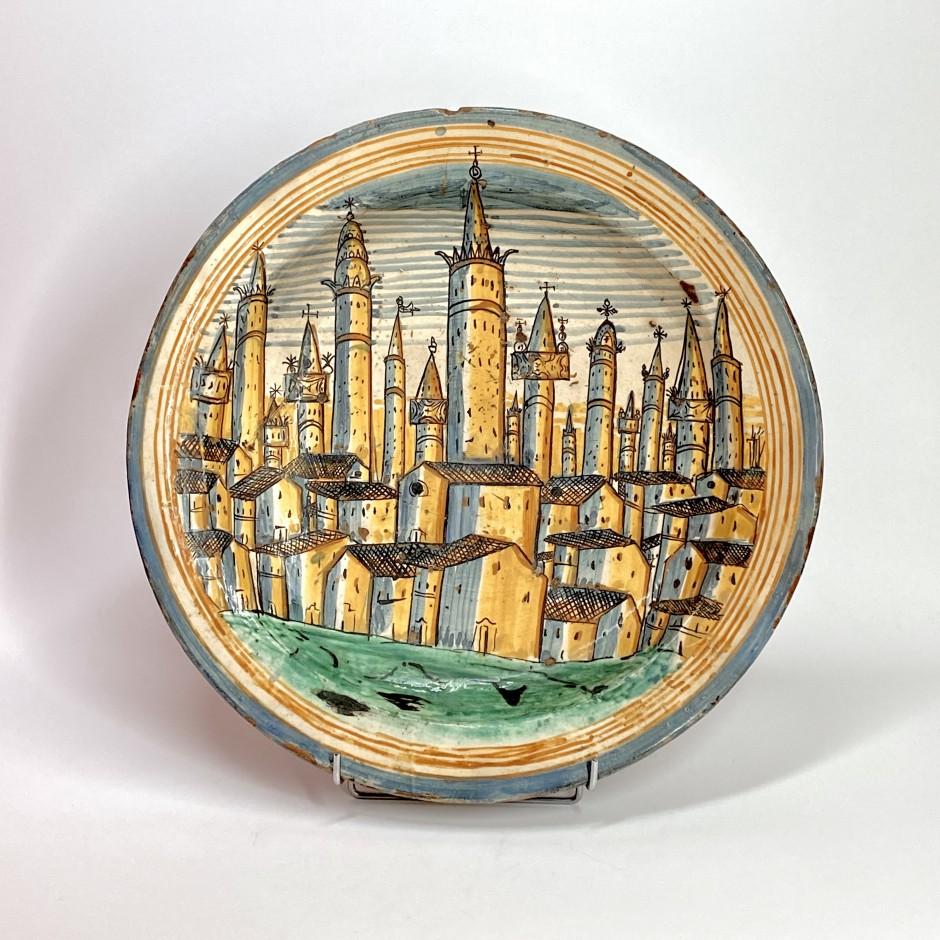 Montelupo - Exceptionnel grand plat figurant la ville de San Gimignano - XVIIe siècle