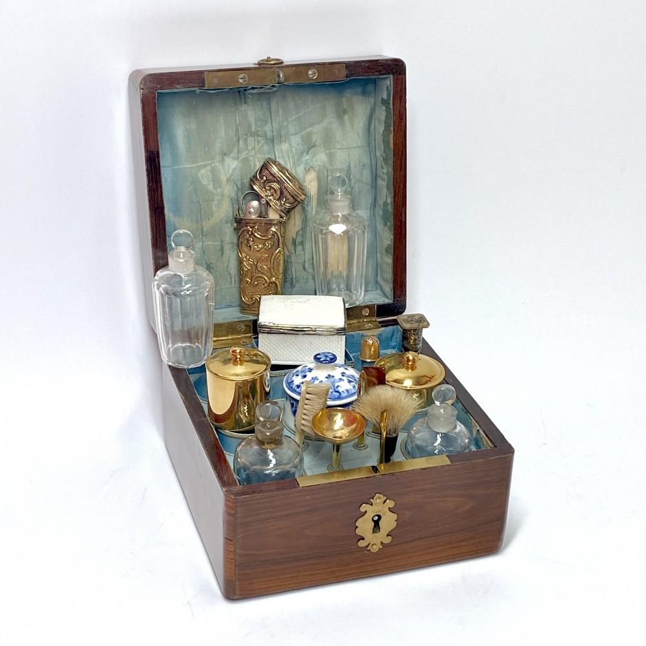 Box Louis XV period travel kit - Eighteenth century