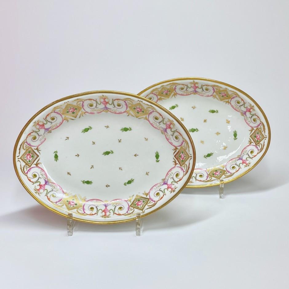 Paris - Porcelain Nast - Pair of small flat ovals - Around 1800