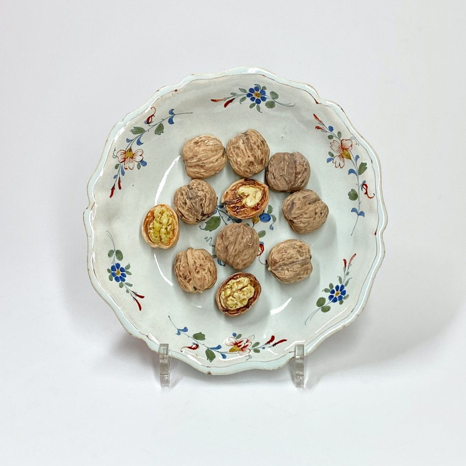 Rouen ou Sinceny - Compotier décoré en trompe l'oeil de noix - XVIIIe siècle