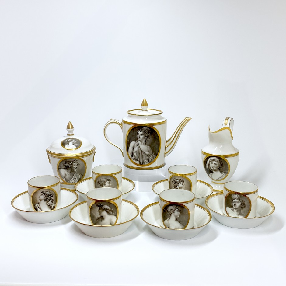 Porcelain coffee service with grisaille decoration - Paris - Manufacture de Locré - Directoire period.