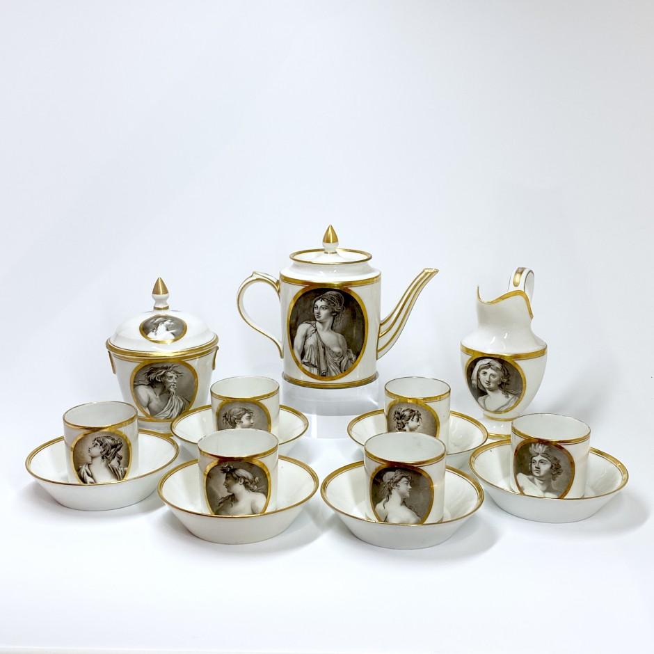 Service à café en porcelaine à décor en grisaille - Paris - Manufacture de Locré - Époque directoire.