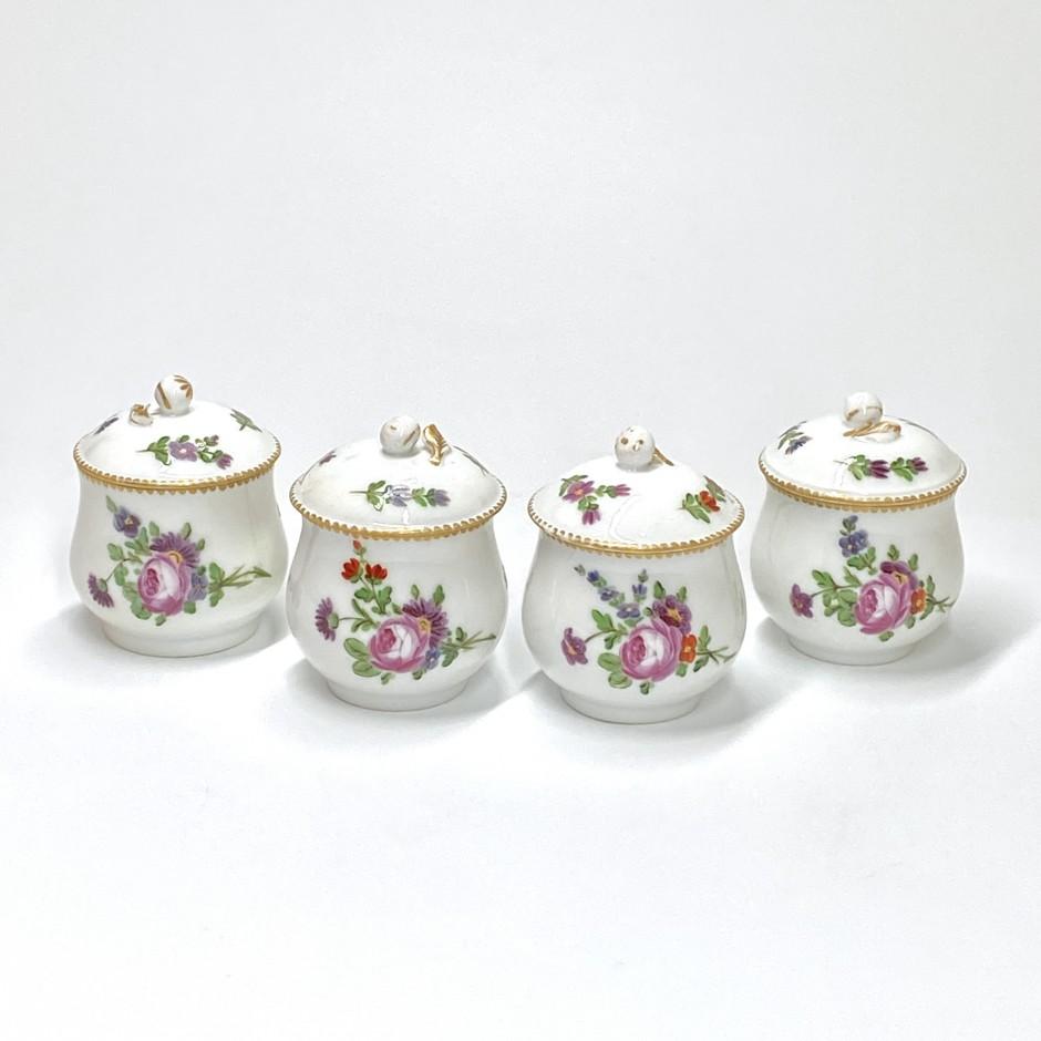 Paris - Manufacture du Comte d'Artois - Quatre pots à jus - XVIIIe siècle