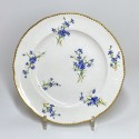 Sèvres - Assiette en porcelaine tendre décorée aux barbeaux - XVIIIe siècle