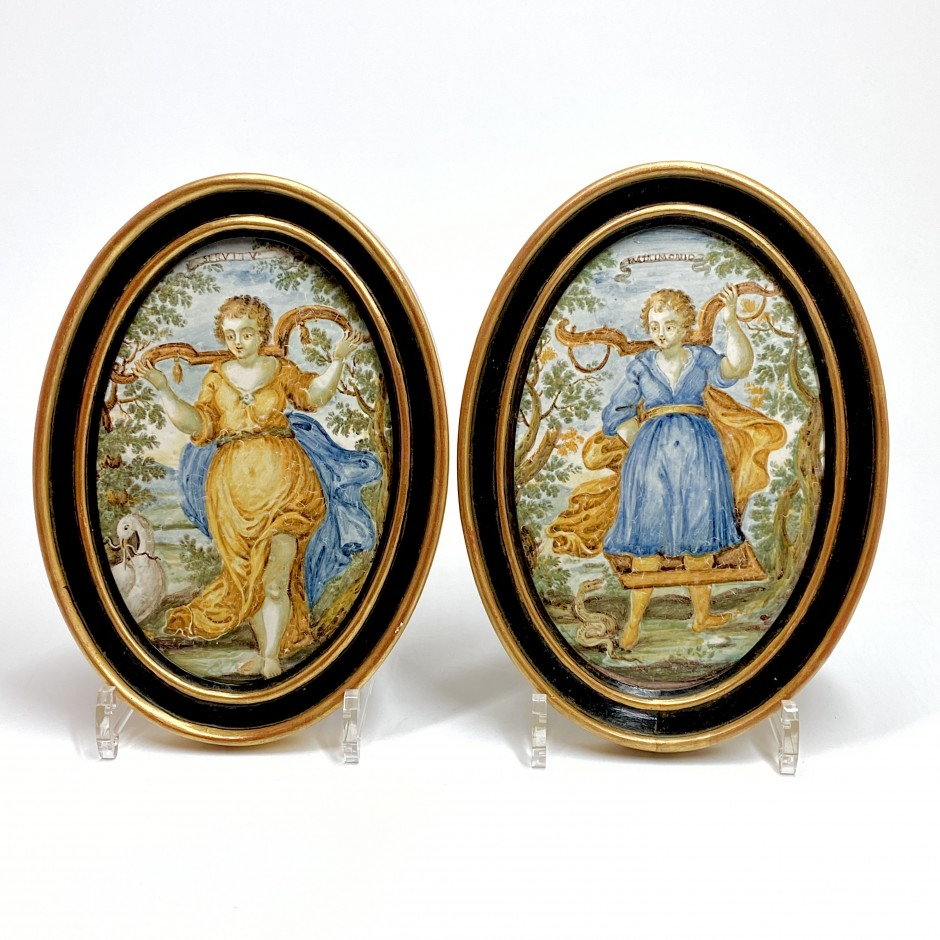 Castelli - Pair of oval plaques depicting the allegories of marriage and servitude - Eighteenth century