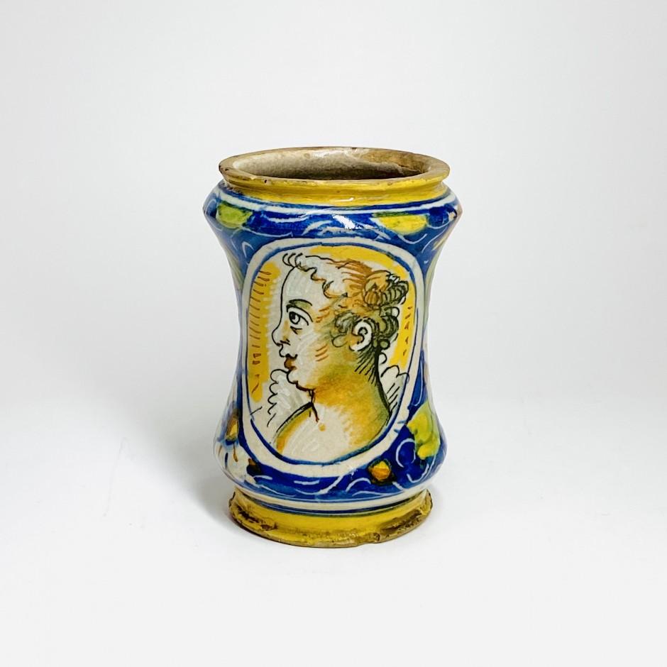 Petit albarello en majolique de Venise - XVIe siècle